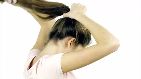 uzun saçlı : Putting long silky hair in ponytail