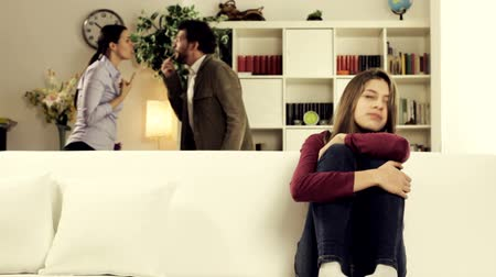 taciz : Sad female teenager assisting to parents fighting sad