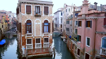 tető : Venice Canals and buildings drone footage Stock mozgókép