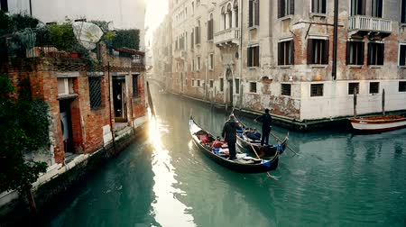 veneza : Aerial shot of two Gondola in Venice Canals Stock Footage