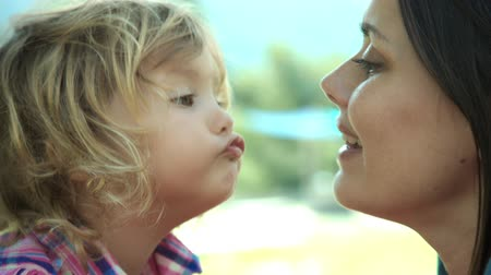 мама : Mother and daughter in love kissing happy