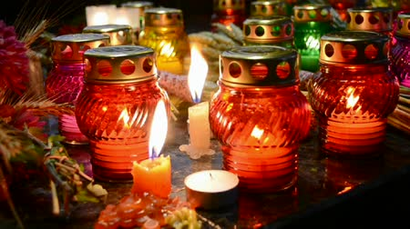 famished : oil lamps heap, color diversity Stock Footage