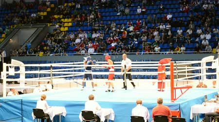 mortal : KIEV - UKRAINE, SEP 09: Junior World Boxing Championships 2013 on September 09, 2013 in Kiev, Ukraine. Commands during preliminaries boxing competition.