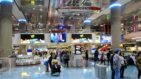 voyager : LAS VEGAS NV - APRIL 13: McCarran international airport interior on April 13, 2016 in Las Vegas, USA. Airport was found in 1942 and now has more than 1234 slot machines inside the airport terminals.