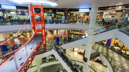centrum handlowe :  1080 - TIMELAPSE - SHOPPING MALL WITH SAN FRANCISCO BRIDGE Wideo