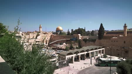 falésias : Holy places in Jerusalem, a general view Stock Footage