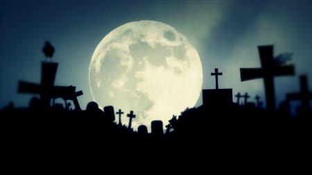 trumna : Scary Cemetery and Ravens on a Spooky Night with Full Moon Wideo