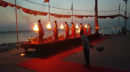 puja : Priests Doing A Puja In Varanasi Stock Footage