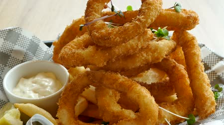 kalmar : Calamari ring with lemon - fried squid