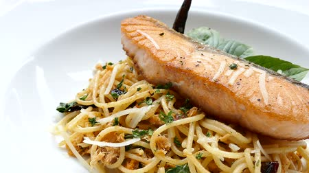 italian food : Spaghetti spicy salmon