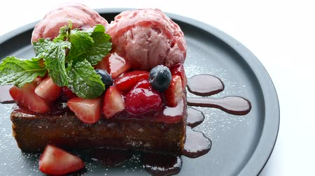 sirup : French toast strawberry