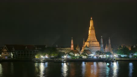 phraya : Time lapse Wat arun temple in Bangkok,Thailand Stock Footage