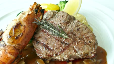 sirloin : Grilled beef steak Stock Footage