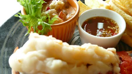 hranolky : Grilled Lobster with french fries Dostupné videozáznamy