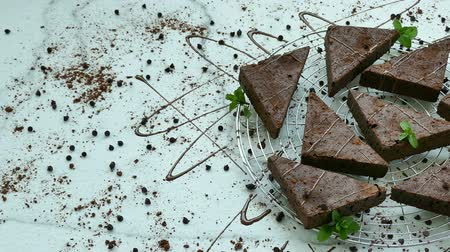 bolinhos : Chocolate brownie cake Stock Footage