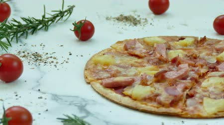 пепперони : Pizza - unhealthy or junk food