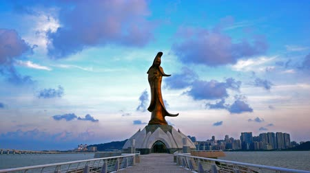bohyně : MACAU, CHINA - SEPTEMBER 7, 2018: 4K Time lapse Beautiful Statue Guan Yin or Kun Iam landmark in macau china
