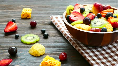 зеленый фон : Assorted and mixed fruits