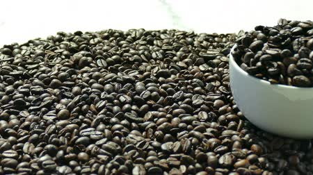 fasola : Closeup coffee beans Wideo