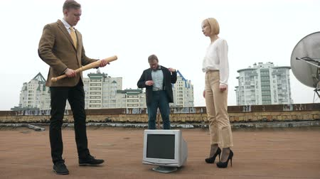 marreta : A young beautiful girl in high heels gives a bat a guy in a suit on the roof. 60 fps