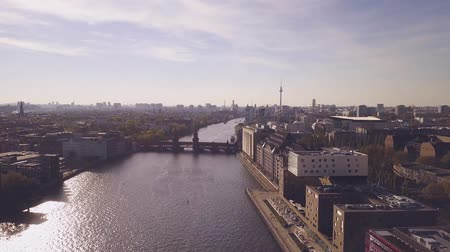 привет : Aerial view of Berlin over the River Spree at Friedrichshain Стоковые видеозаписи
