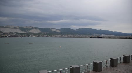 marítimo : Novorossiysk international seaport and marine station. Embankment of Admiral Serebryakov.