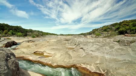 teksas : The natural beauty of the Pedernales Falls in the Texas Hill Country.