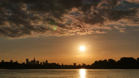 warszawa : Sunset over the center of Warsaw timelapse Wideo
