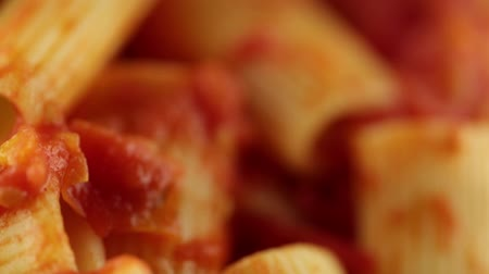 chilli sauce : Rigatoni with sauce