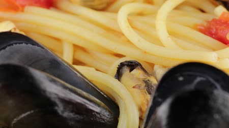 vermicelli : Spaghetti with mussels Stock Footage