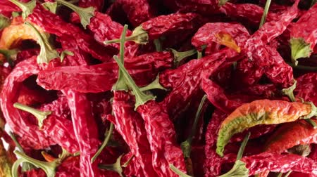 habanero : Hot dried peppers