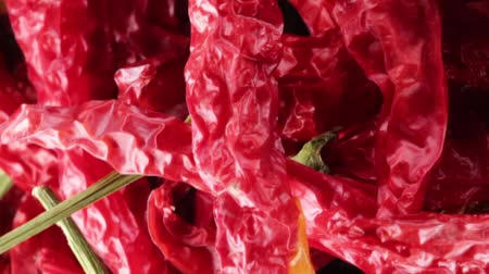 calabresa : Calabrian dried red chillies for cooking