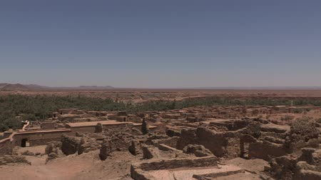 марокканский : Slow zoom, overlooking the Assa ruins in Morocco and the Western Sahara.