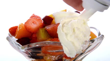 vitaminic : a dessert: fruit salad and whipped cream