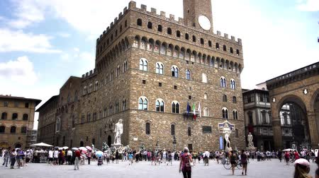 florencja : Italy, Tuscany, Florence. Wonderful Old Palace and Tourists Wideo