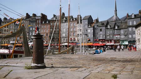 francja : Old harbor of Honfleur in France Wideo