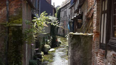 charakteristický : Small old street in Pont Audemer France