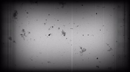 tiras : Old film black and white with dust and scratches Stock Footage