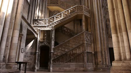 crença : Cathedral staircase in Rouen, Normandy France, TILT