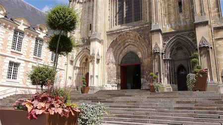 crença : Plants and cathedral exterior at Lisieux, Normandy France