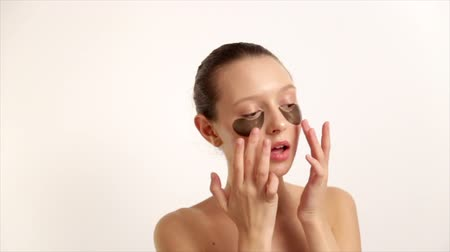 Woman Applied With A Sponge Makeup On The Face. Professional Makeup With Your Hands. Care For The Skin, Natural Cosmetics. Skincare Products Prores Codec