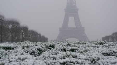 parisian : Snowy day in Paris, France