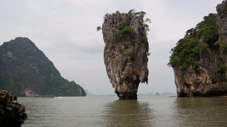 Landscape Khao Phing Kan island, Ko Tapu, in Phang Nga Bay, Thailand Wideo