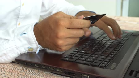 Man fails trying to pay online. Internet banking Vídeos