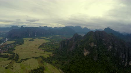 dirigível : View at Vang Vieng from Hot Air Baloon