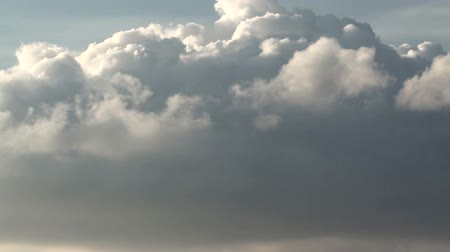 raios de sol : Formation of cumulus clouds in close-up