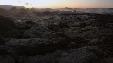 geotermální : Volcanic fields covered with lava and rock. Picturesque Icelandic landscape. HD Footage.