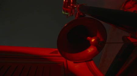 sinos : Slow motion shot of vintage metallic red alarm bell ringing. Old fashioned fire alarm. Vídeos