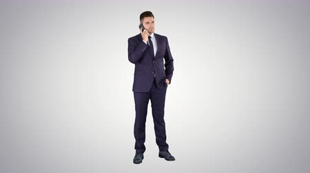 talep : Serious worried businessman trying to call someone and cant get through Call failed on gradient background.