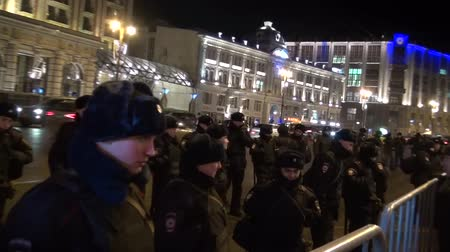 протест : A police cordon around the protest action in Moscow